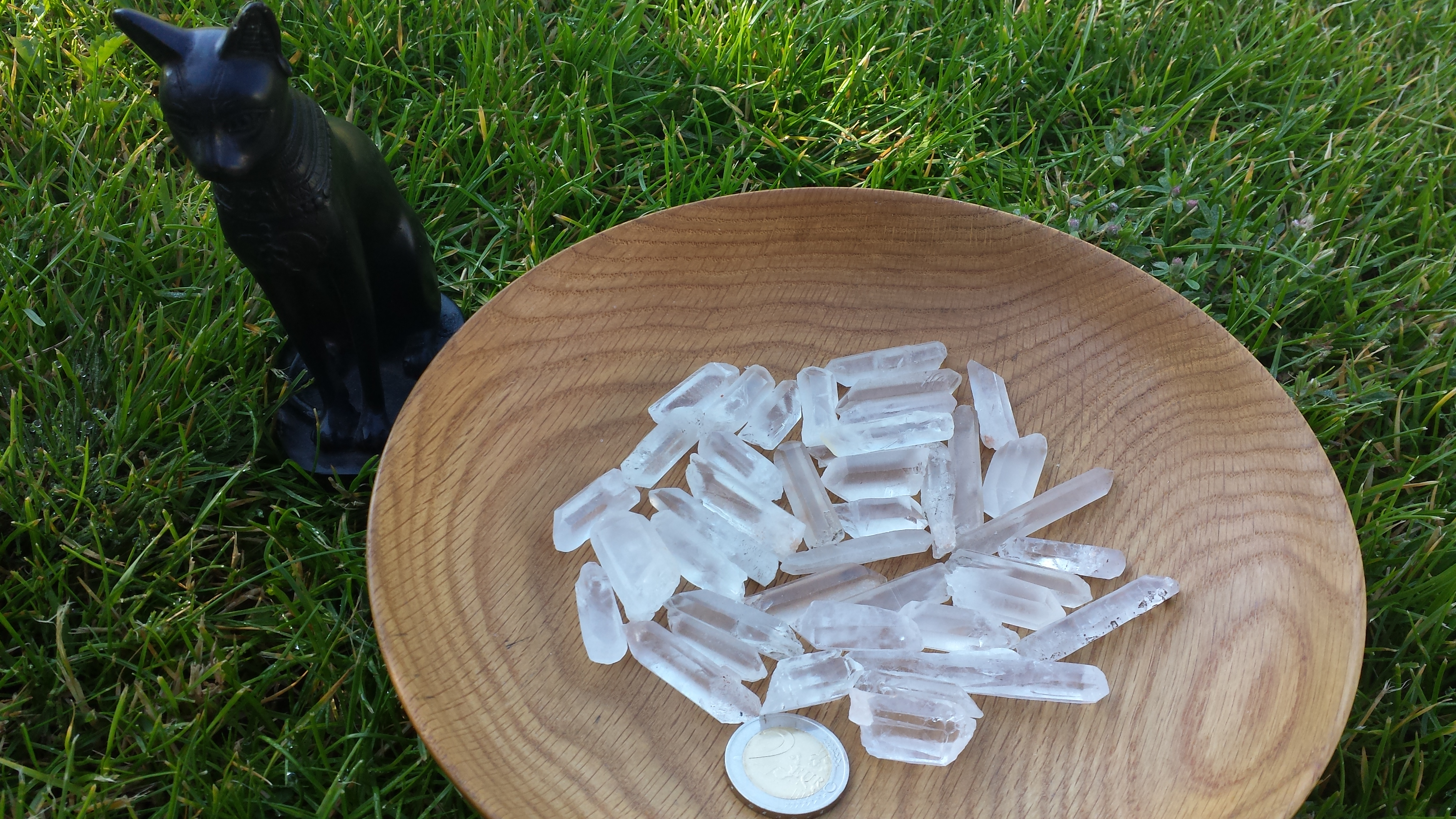 Kalnų krištolo kristalai piršteliai