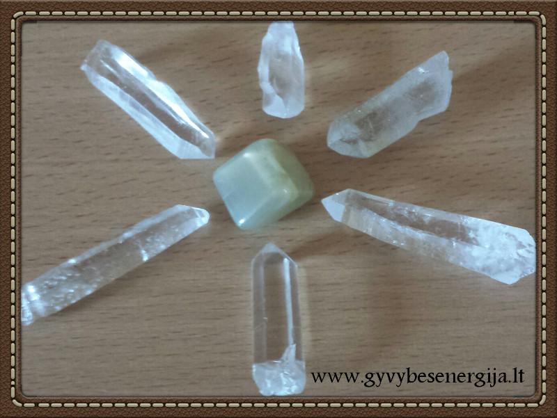 Sakralinės čakros stiprinimas ir hormonų subalansavimas kristalais